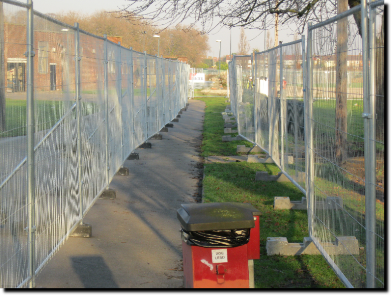 Barking Park Fenced Walk Way 31st January 2011