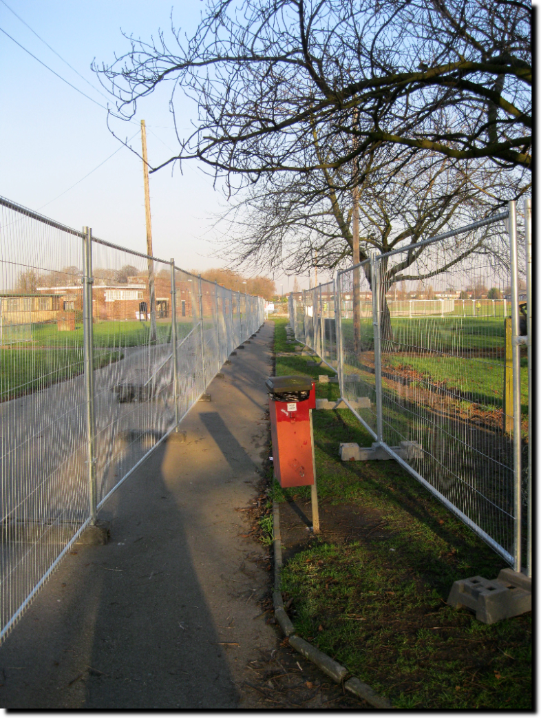 Barking Park Fenced Path 31st January 2011